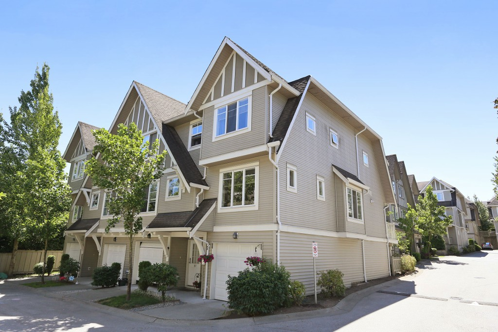 "Main Photo: 86 15175 62A Avenue in Surrey: Sullivan Station Townhouse for sale in ""Brooklands"" : MLS® # R2086392"