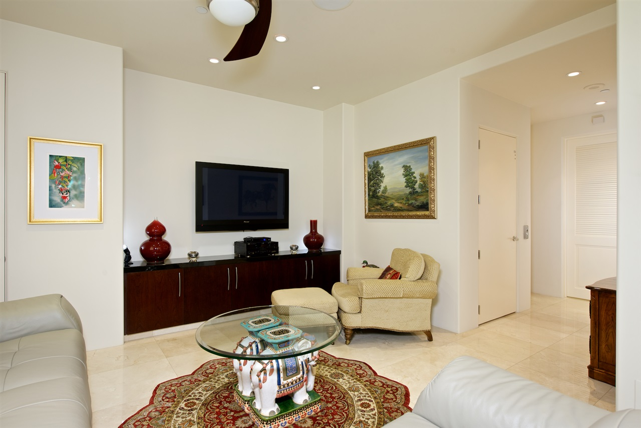 Photo 14: SAN DIEGO Condo for sale : 3 bedrooms : 2500 6th Avenue #101