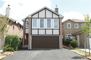 Main Photo: 6 Natalie Court in Brampton: Westgate House (2-Storey) for sale : MLS® # W3563669