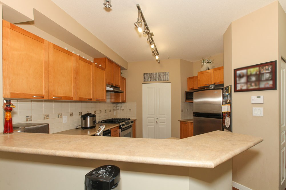 "Photo 6: 111 2969 WHISPER Way in Coquitlam: Westwood Plateau Condo for sale in ""SUMMERLIN AT SILVER SPRING"" : MLS(r) # R2095964"