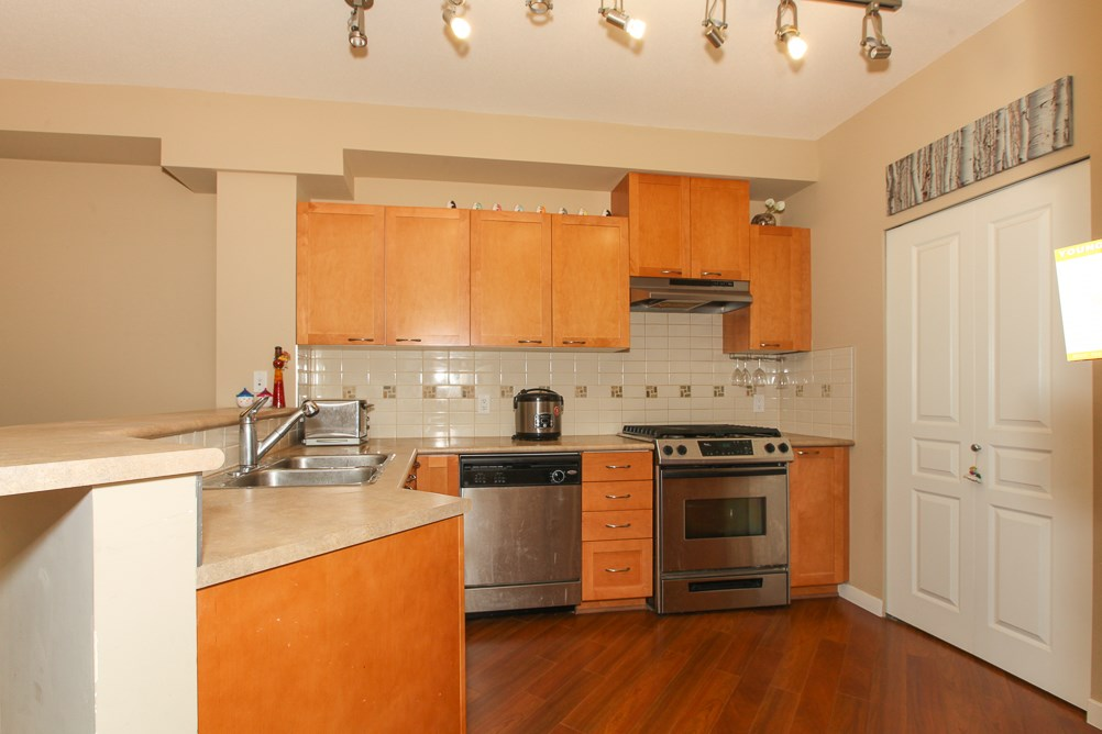"Photo 7: 111 2969 WHISPER Way in Coquitlam: Westwood Plateau Condo for sale in ""SUMMERLIN AT SILVER SPRING"" : MLS(r) # R2095964"