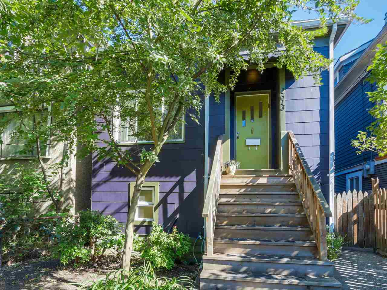 "Main Photo: 1613 E 4TH Avenue in Vancouver: Grandview VE House for sale in ""GRANDVIEW"" (Vancouver East)  : MLS®# R2096953"