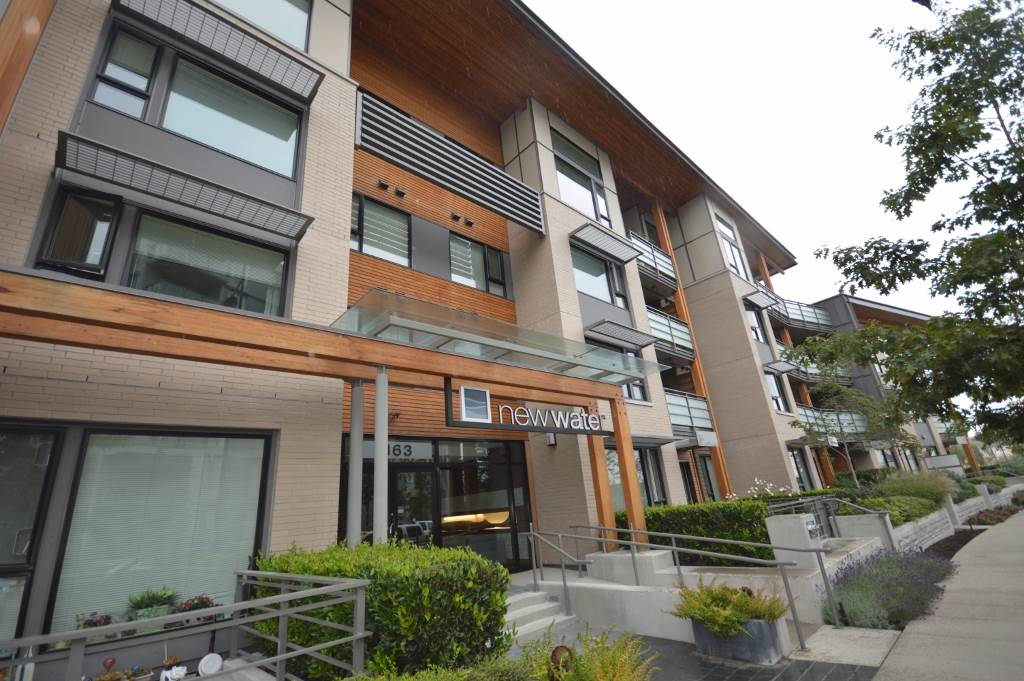 "Main Photo: 118 3163 RIVERWALK Avenue in Vancouver: Champlain Heights Condo for sale in ""NEWWATER"" (Vancouver East)  : MLS® # R2107566"