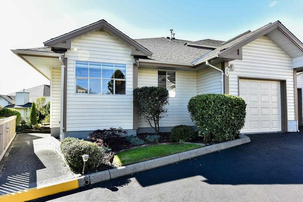 "Main Photo: 33 6140 192 Street in Surrey: Cloverdale BC Townhouse for sale in ""Estates at Manor Ridge"" (Cloverdale)  : MLS(r) # R2112201"