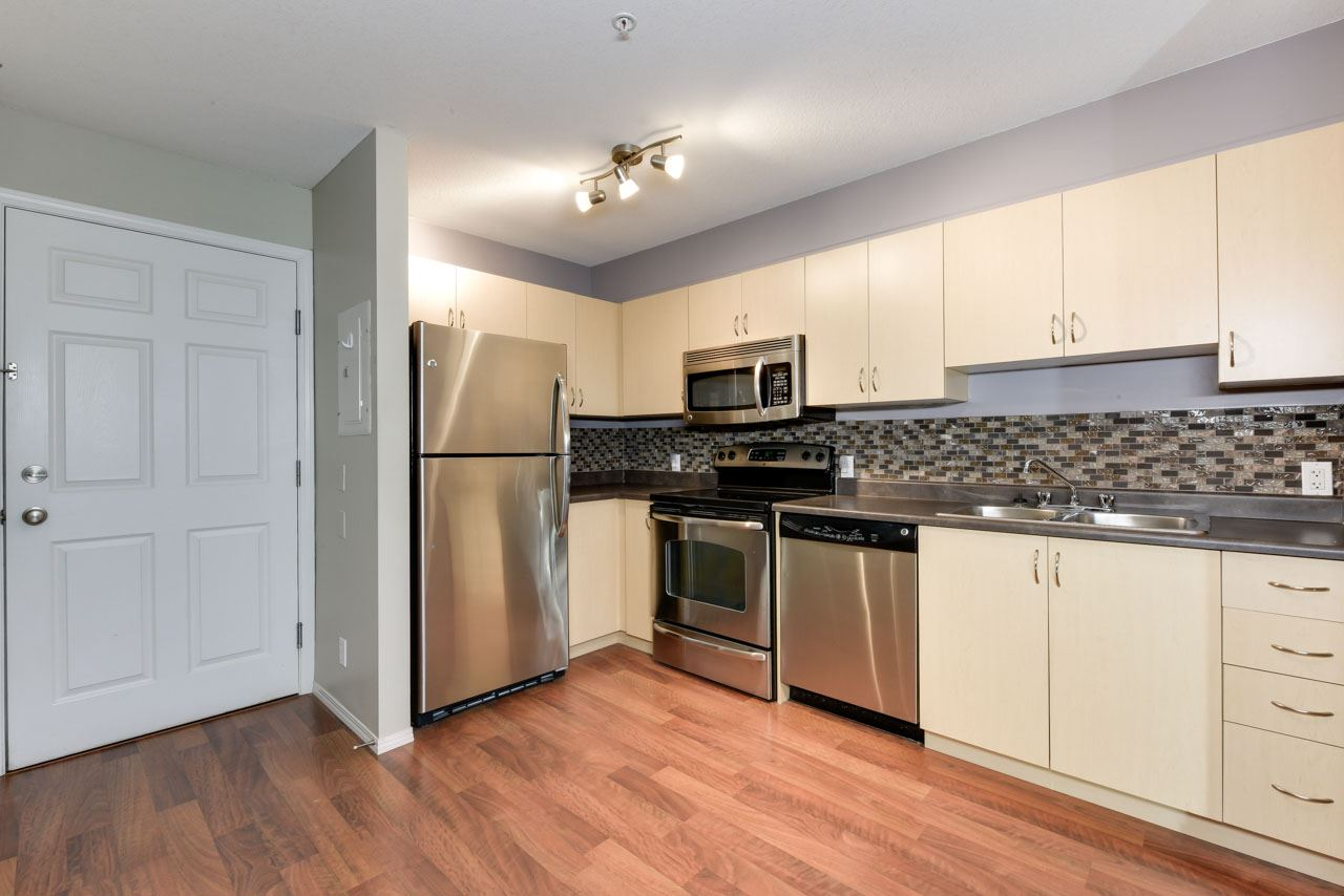 Main Photo: 215 40 SUMMERWOOD Boulevard: Sherwood Park Condo for sale : MLS(r) # E4044115