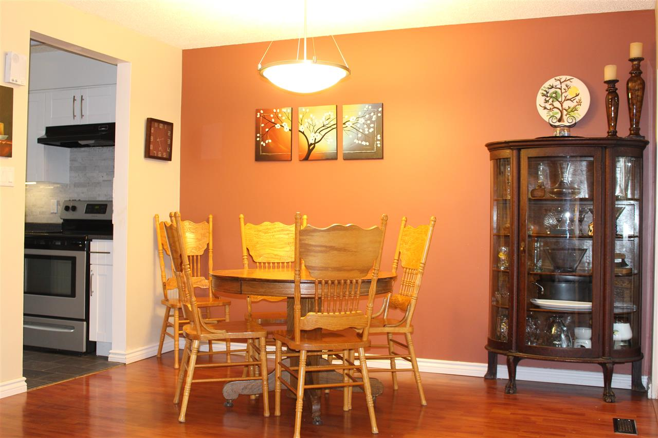 "Photo 8: 412 CARDIFF Way in Port Moody: College Park PM Townhouse for sale in ""EASTHILL"" : MLS(r) # R2138836"