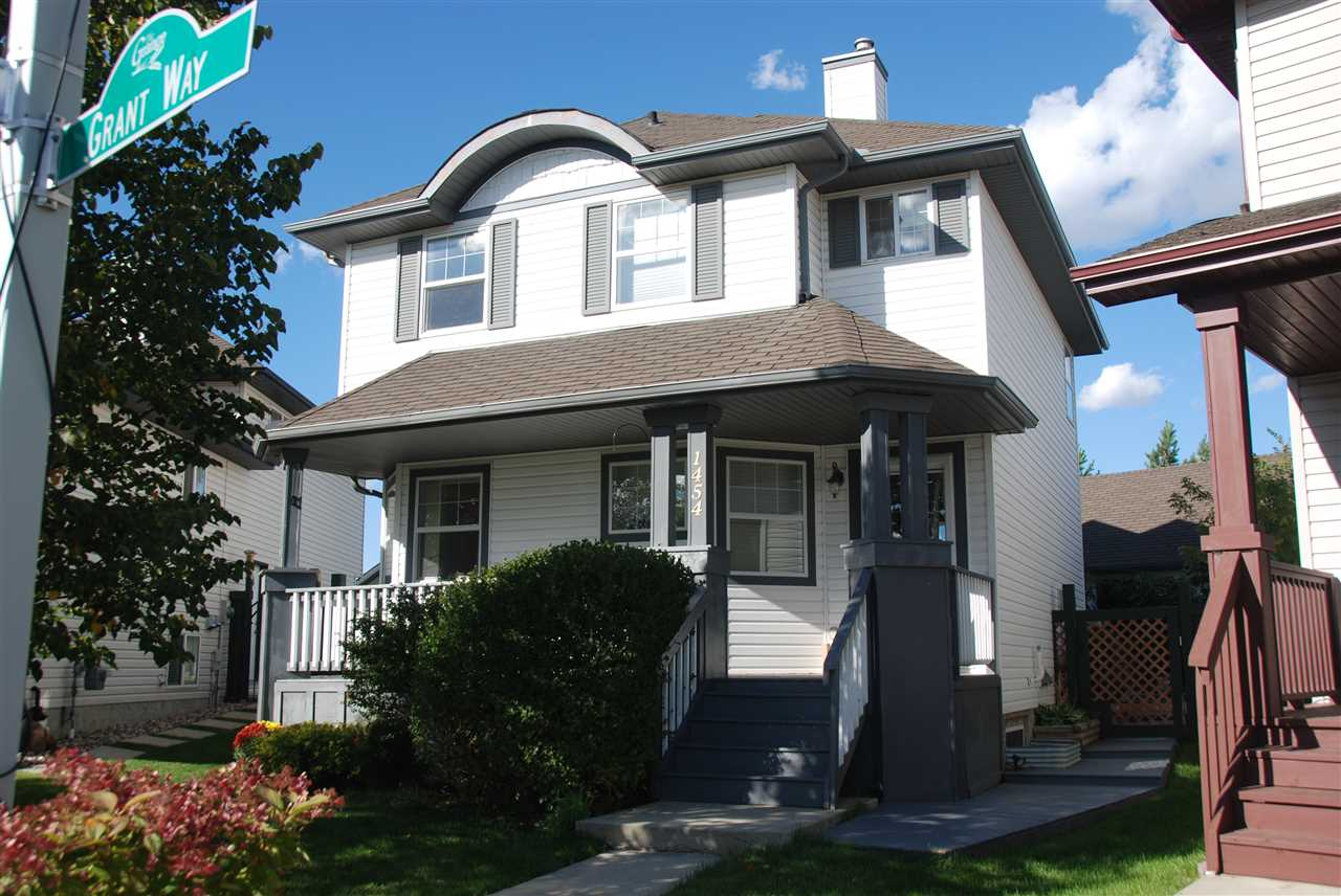 Main Photo: 1454 GRANT Way in Edmonton: Zone 58 House for sale : MLS(r) # E4054494