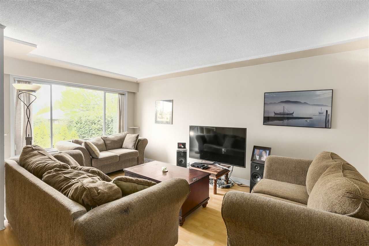 Main Photo: 812 E 33RD Avenue in Vancouver: Fraser VE House for sale (Vancouver East)  : MLS(r) # R2164202