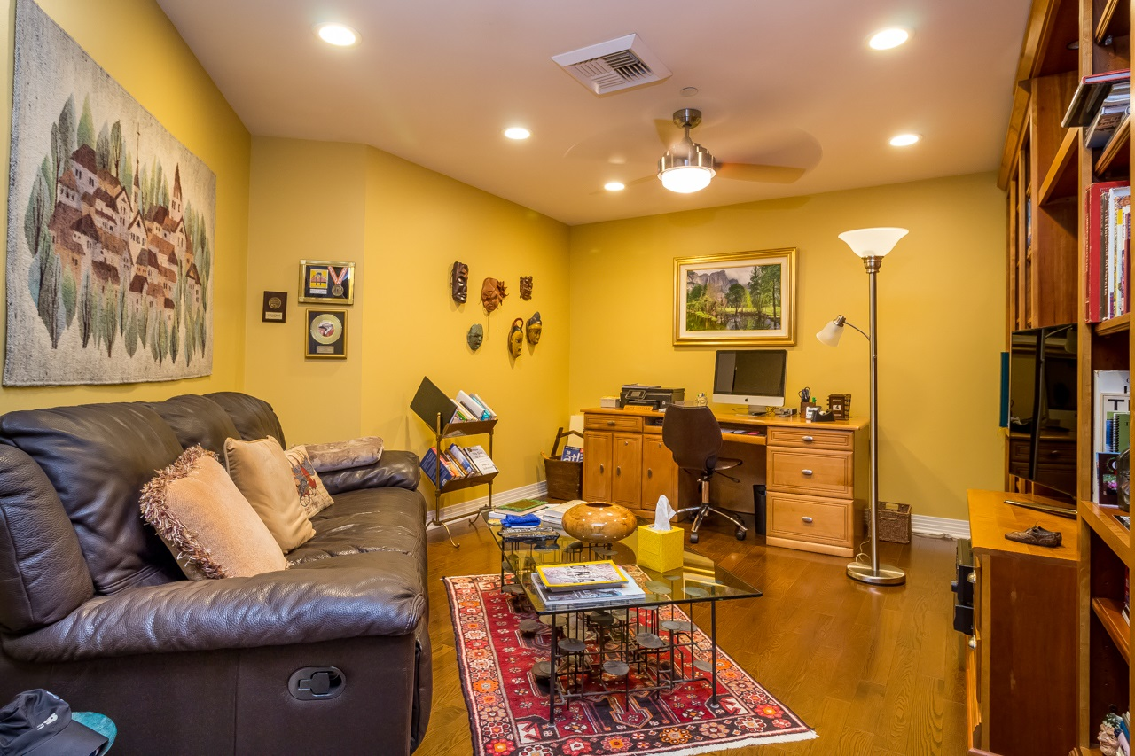 Photo 13: SAN DIEGO Condo for sale : 2 bedrooms : 2500 6th Avenue #904