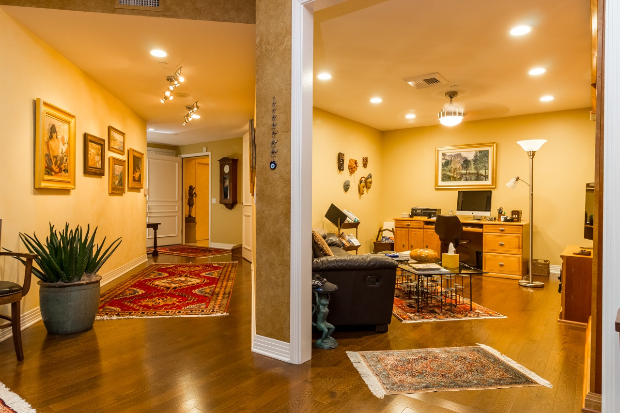 Photo 12: SAN DIEGO Condo for sale : 2 bedrooms : 2500 6th Avenue #904