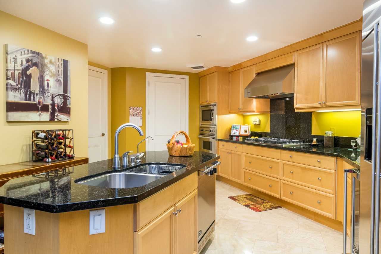 Photo 19: SAN DIEGO Condo for sale : 2 bedrooms : 2500 6th Avenue #904