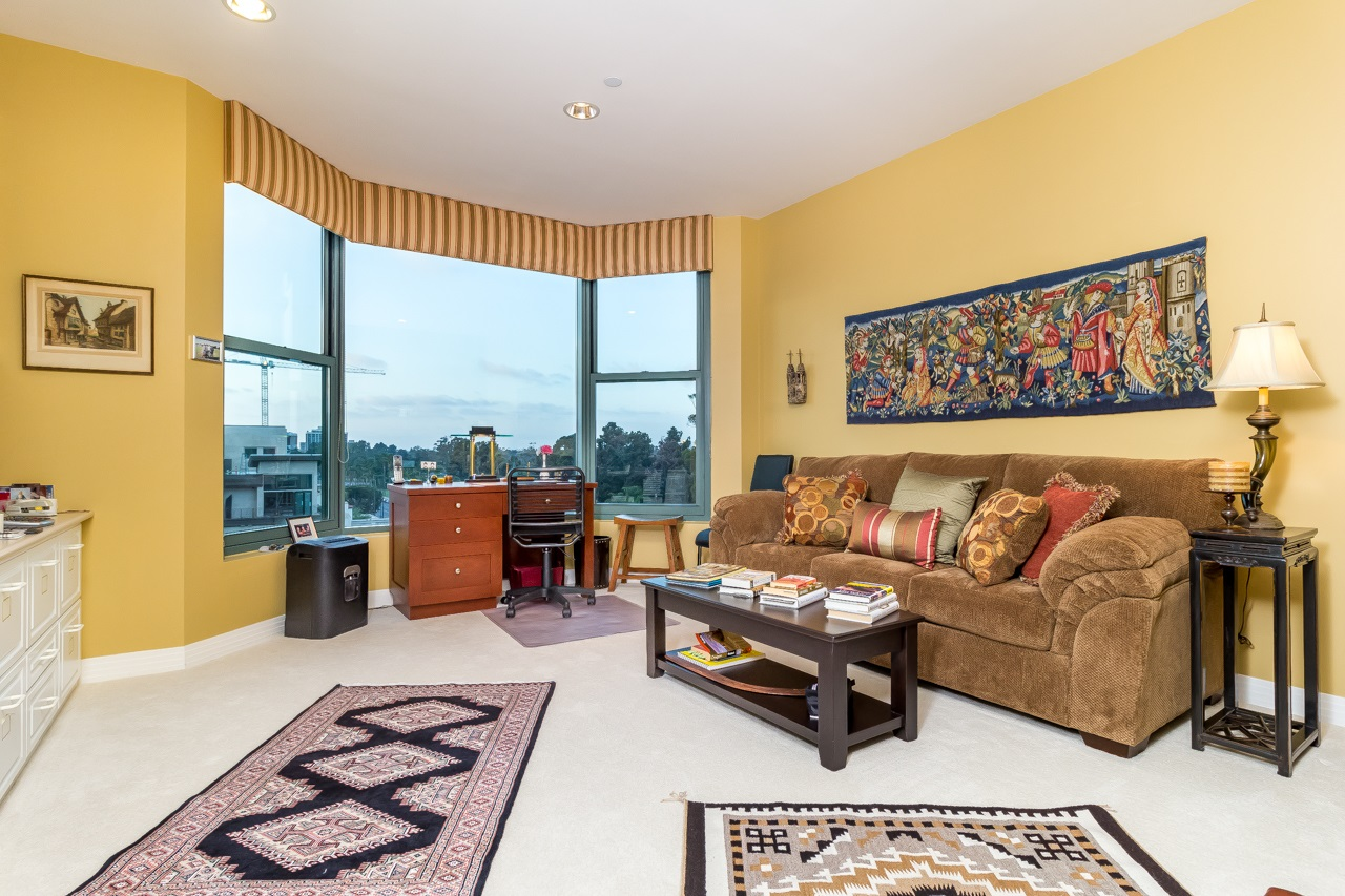 Photo 15: SAN DIEGO Condo for sale : 2 bedrooms : 2500 6th Avenue #904