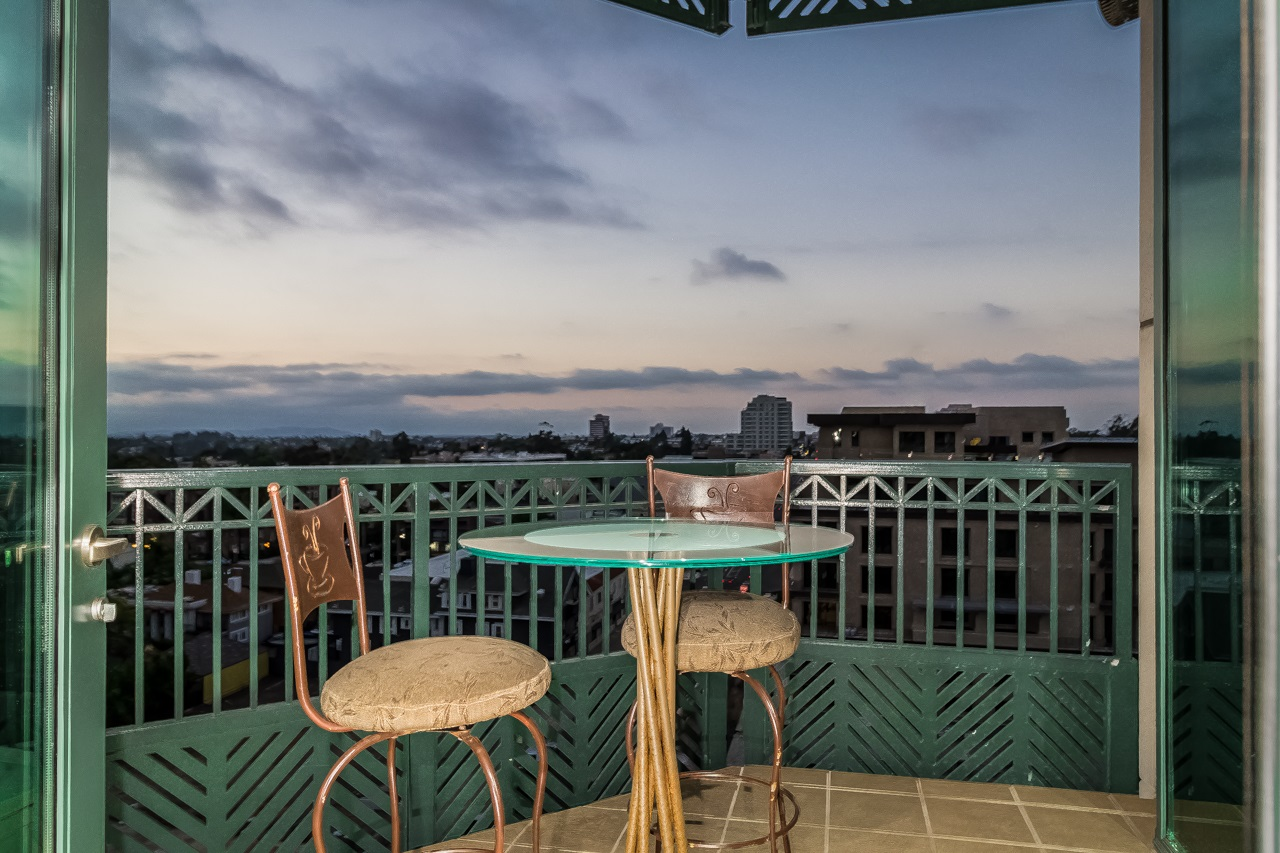 Photo 7: SAN DIEGO Condo for sale : 2 bedrooms : 2500 6th Avenue #904