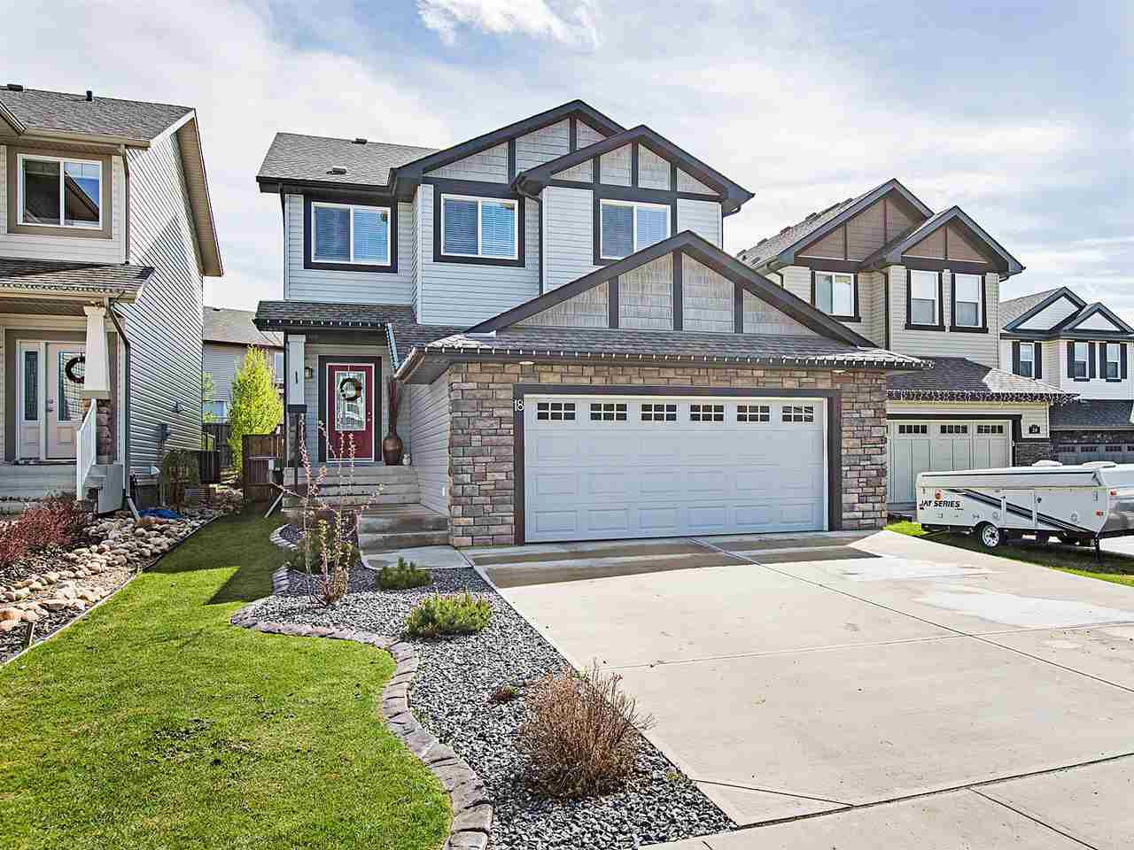 Main Photo: 18 CODETTE Way: Sherwood Park House for sale : MLS(r) # E4064318