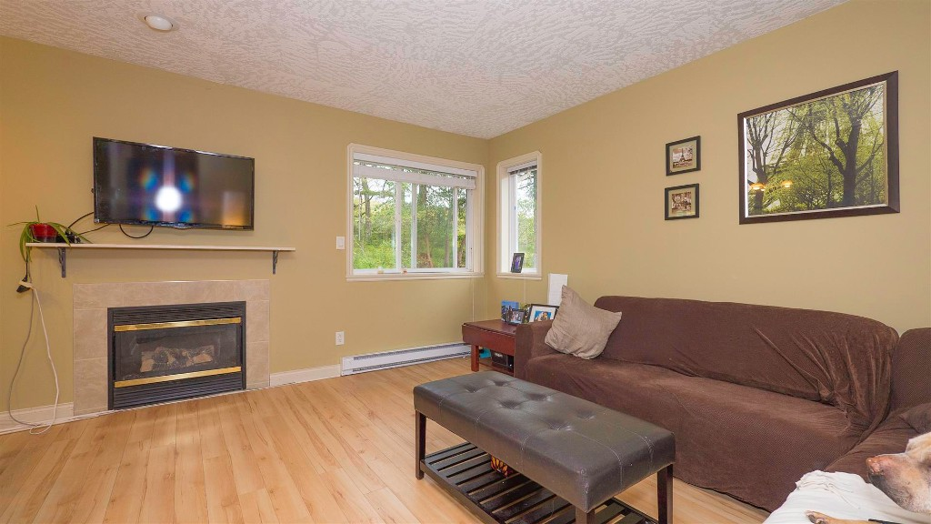 Photo 4:  in VICTORIA: La Thetis Heights Single Family Detached for sale (Langford)  : MLS(r) # 378059