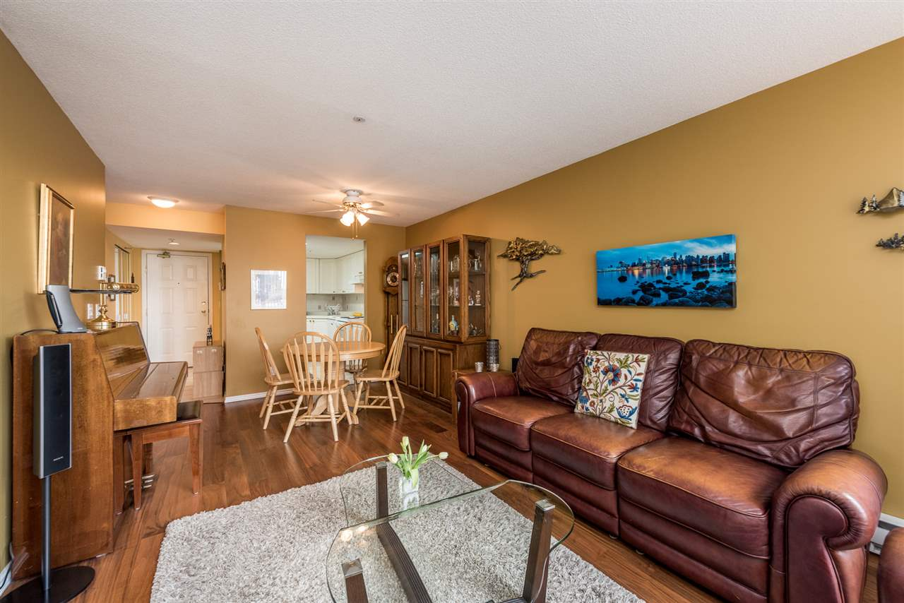 "Photo 10: 211 1519 GRANT Avenue in Port Coquitlam: Glenwood PQ Condo for sale in ""THE BEACON"" : MLS(r) # R2185848"