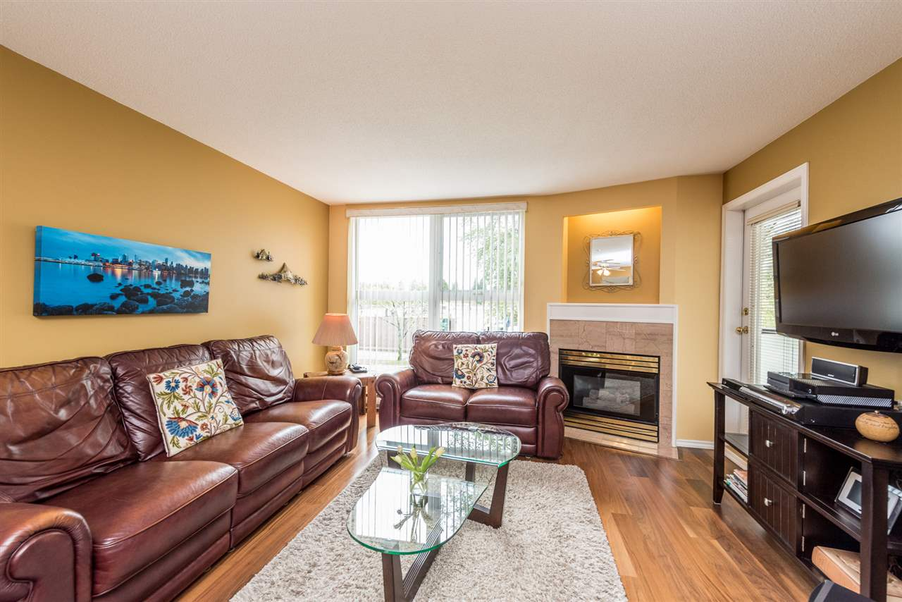 "Photo 7: 211 1519 GRANT Avenue in Port Coquitlam: Glenwood PQ Condo for sale in ""THE BEACON"" : MLS(r) # R2185848"