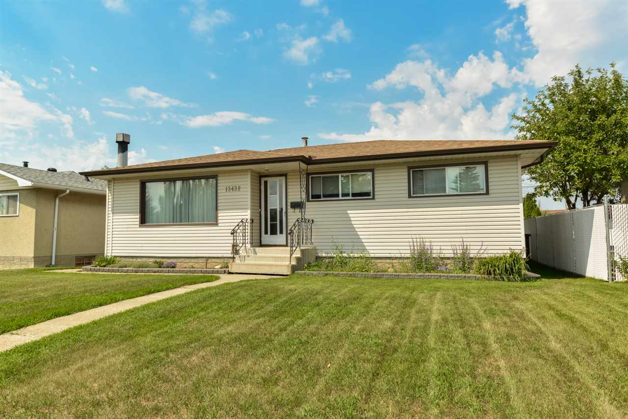 Main Photo: 13432 66 Street NW in Edmonton: Zone 02 House for sale : MLS® # E4073029