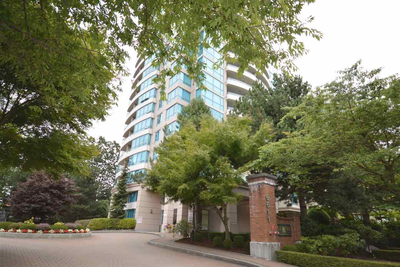 "Main Photo: 1704 6611 SOUTHOAKS Crescent in Burnaby: Highgate Condo for sale in ""GEMINI 1"" (Burnaby South)  : MLS® # R2201383"