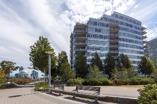 "Main Photo: 101 181 ATHLETES Way in Vancouver: False Creek Condo for sale in ""CANADA HOUSE"" (Vancouver West)  : MLS® # R2202225"