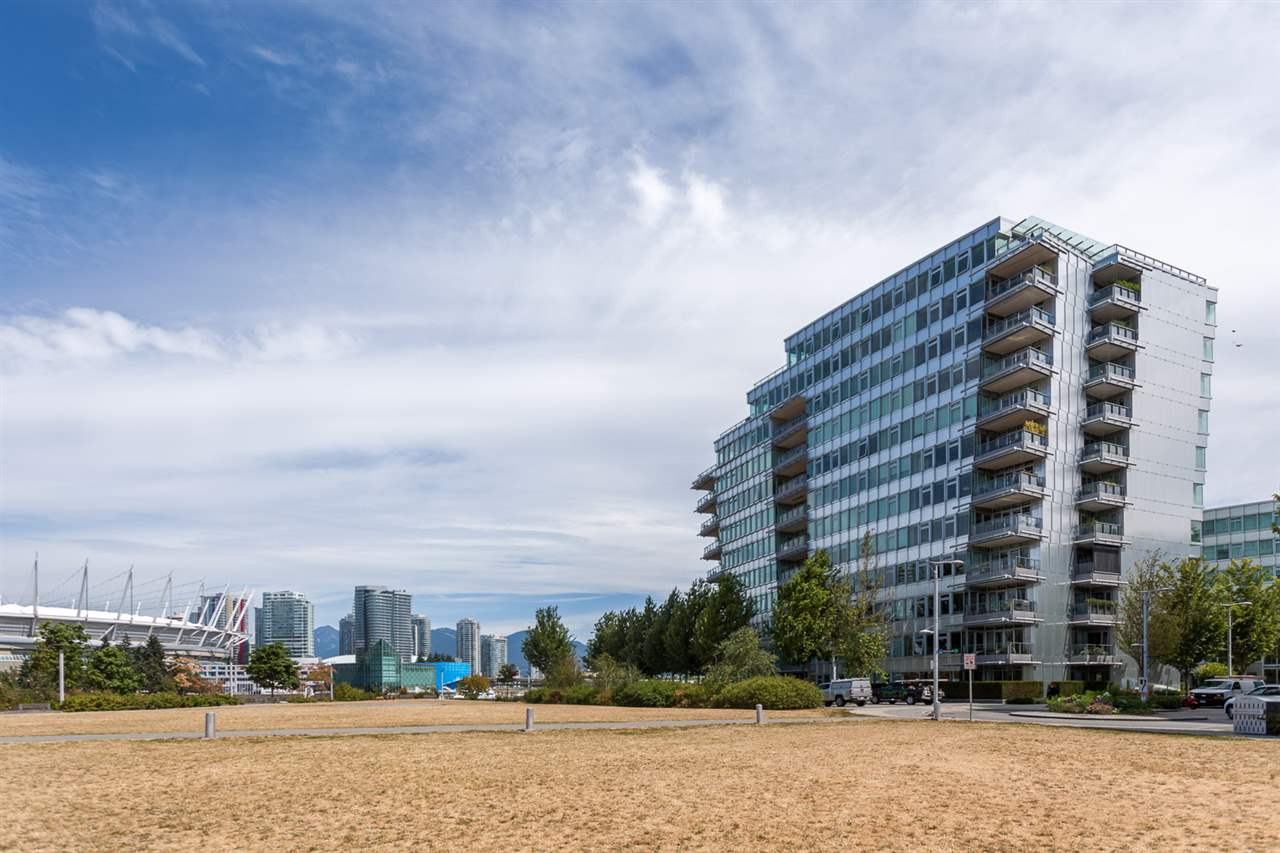 "Photo 20: 101 181 ATHLETES Way in Vancouver: False Creek Condo for sale in ""CANADA HOUSE"" (Vancouver West)  : MLS® # R2202225"