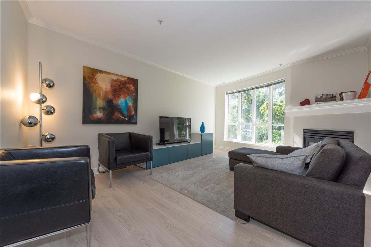"Main Photo: 201 1617 GRANT Street in Vancouver: Grandview VE Condo for sale in ""Evergreen Place"" (Vancouver East)  : MLS® # R2204160"