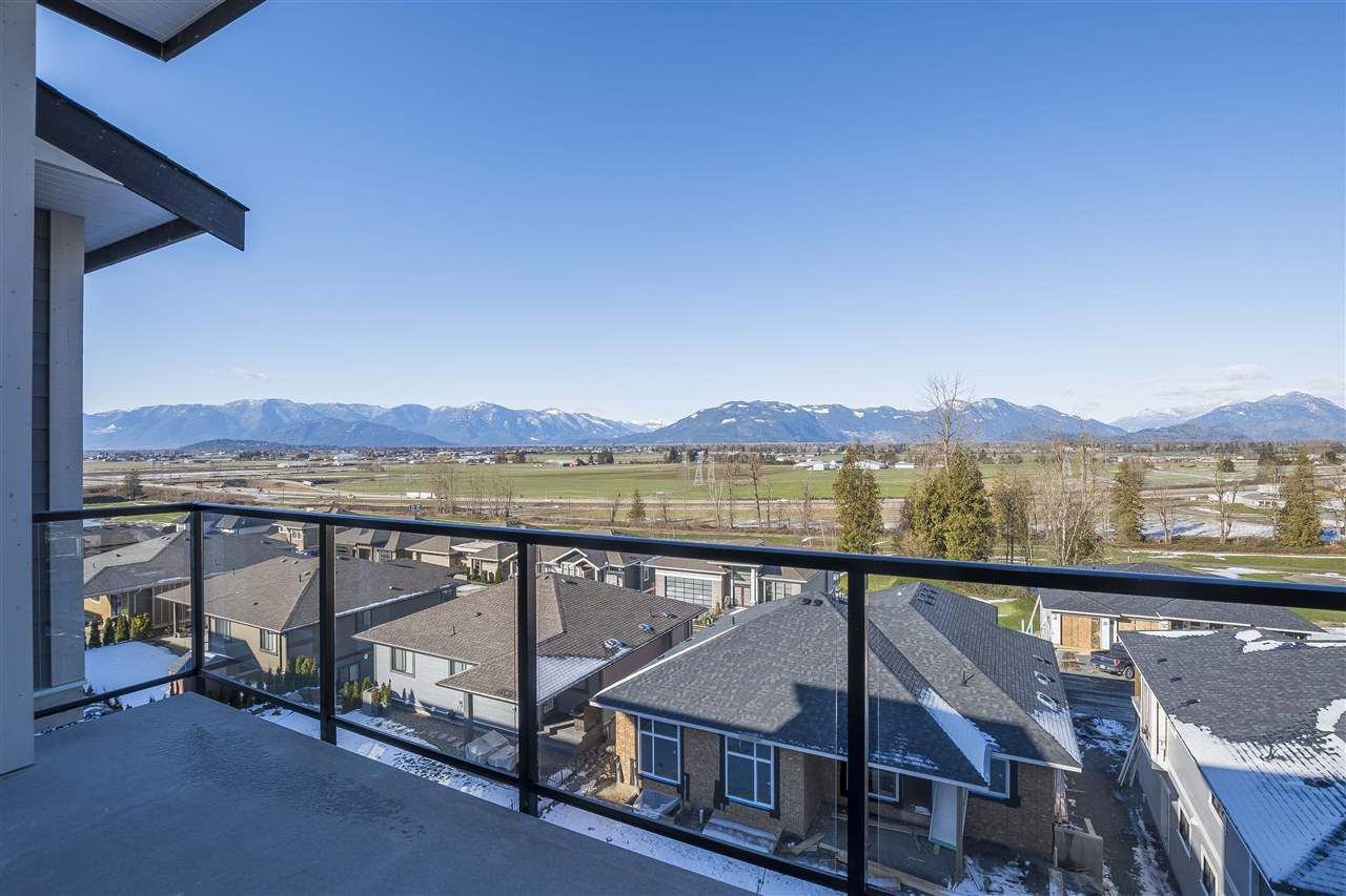 "Photo 19: Photos: 42 50778 LEDGESTONE Place in Chilliwack: Eastern Hillsides House for sale in ""SUNRIDGE"" : MLS® # R2230064"