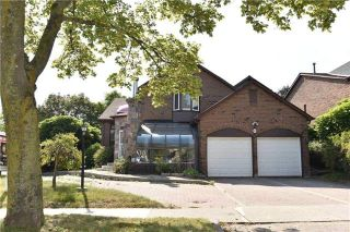 Main Photo: 13 Ravenscroft Road in Ajax: Central West House (2-Storey) for sale : MLS®# E4057474