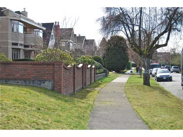 Photo 9: 4742 ELM Street in Vancouver: MacKenzie Heights House for sale (Vancouver West)  : MLS(r) # V878692