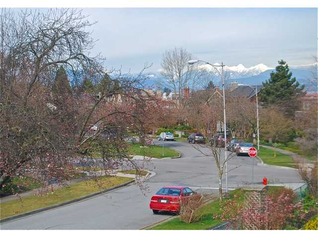 Photo 5: 4742 ELM Street in Vancouver: MacKenzie Heights House for sale (Vancouver West)  : MLS(r) # V878692