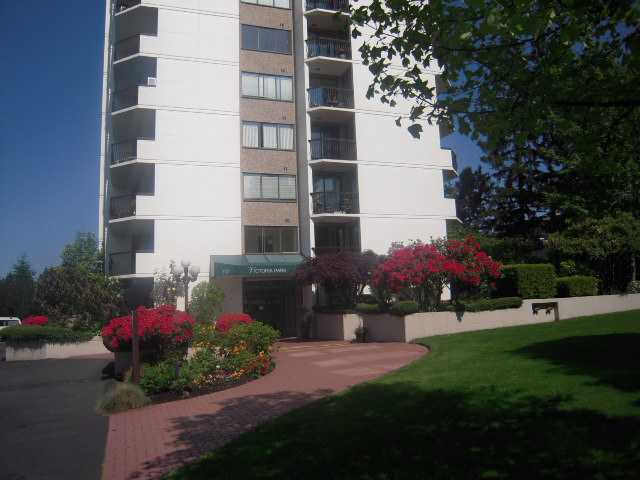 "Main Photo: 202 701 W VICTORIA Park in North Vancouver: Central Lonsdale Condo for sale in ""Victoria Park"" : MLS®# V894248"