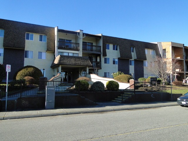 "Main Photo: 232 2821 TIMS Street in Abbotsford: Abbotsford West Condo for sale in ""Parkview Estates"" : MLS®# F1402915"