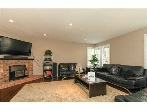 Photo 10: 2985 CHRISTINA Place in Coquitlam: Coquitlam East House for sale : MLS® # V1069443