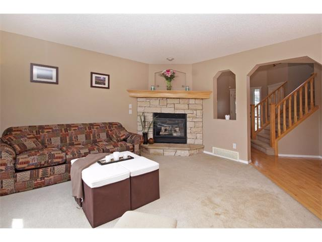 Photo 2: 51 CHAPMAN Circle SE in Calgary: Chaparral House for sale : MLS(r) # C4011695