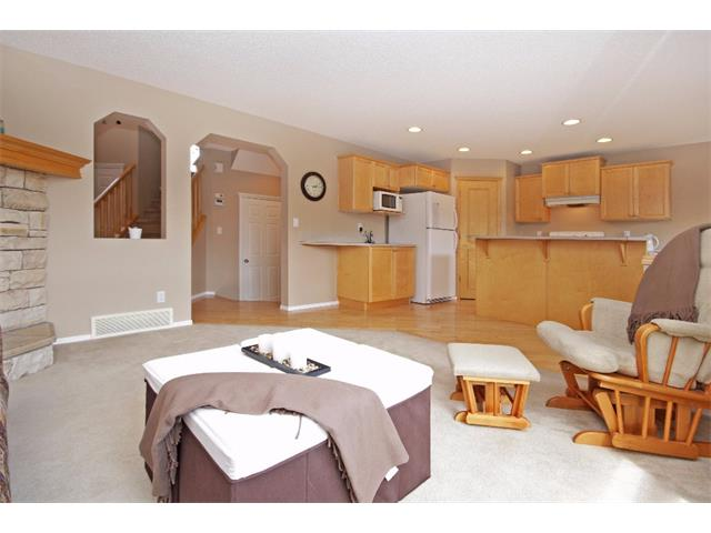 Photo 4: 51 CHAPMAN Circle SE in Calgary: Chaparral House for sale : MLS(r) # C4011695