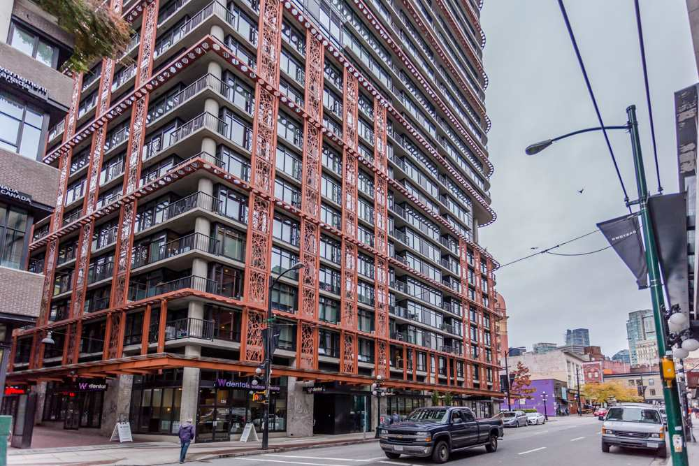 "Main Photo: 4008 128 W CORDOVA Street in Vancouver: Downtown VW Condo for sale in ""Woodwards"" (Vancouver West)  : MLS® # R2010688"