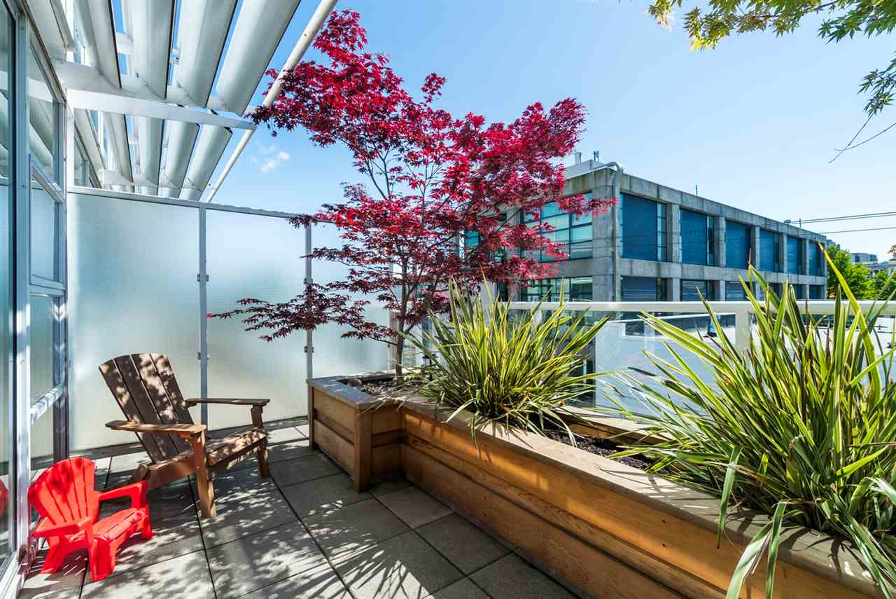 "Photo 14: 2 1650 W 1ST Avenue in Vancouver: False Creek Townhouse for sale in ""THE ELLIS FOSTER BUILDING"" (Vancouver West)  : MLS(r) # R2062356"