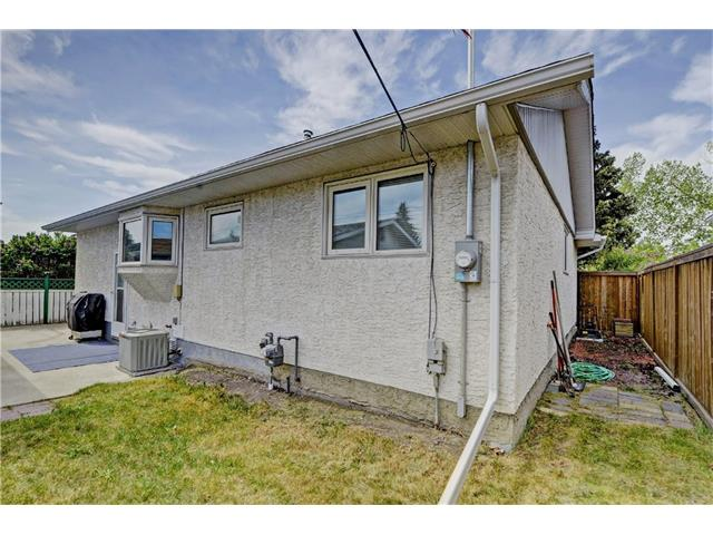 Photo 21: 9312 5 Street SE in Calgary: Acadia House for sale : MLS® # C4063076