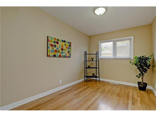 Photo 12: 9312 5 Street SE in Calgary: Acadia House for sale : MLS® # C4063076