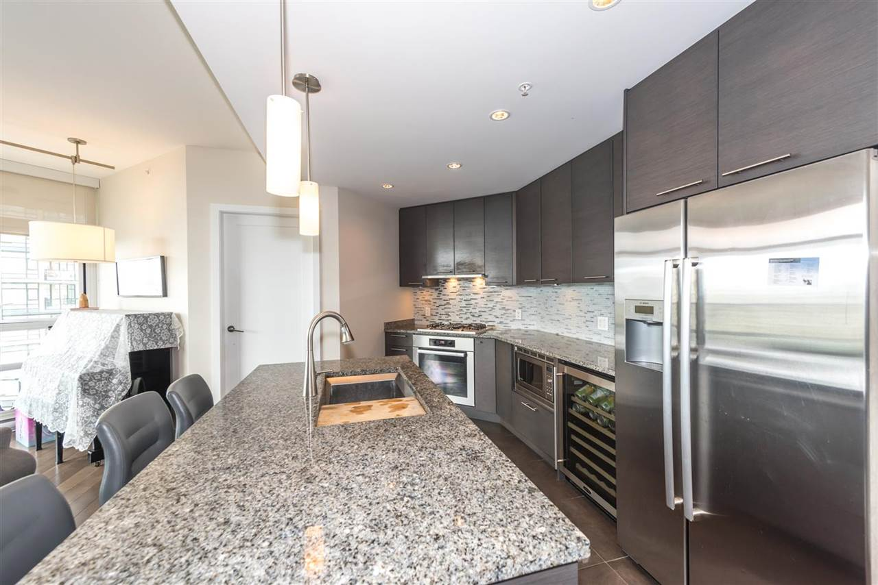 "Photo 5: 1404 6168 WILSON Avenue in Burnaby: Metrotown Condo for sale in ""JEWEL II"" (Burnaby South)  : MLS(r) # R2075707"