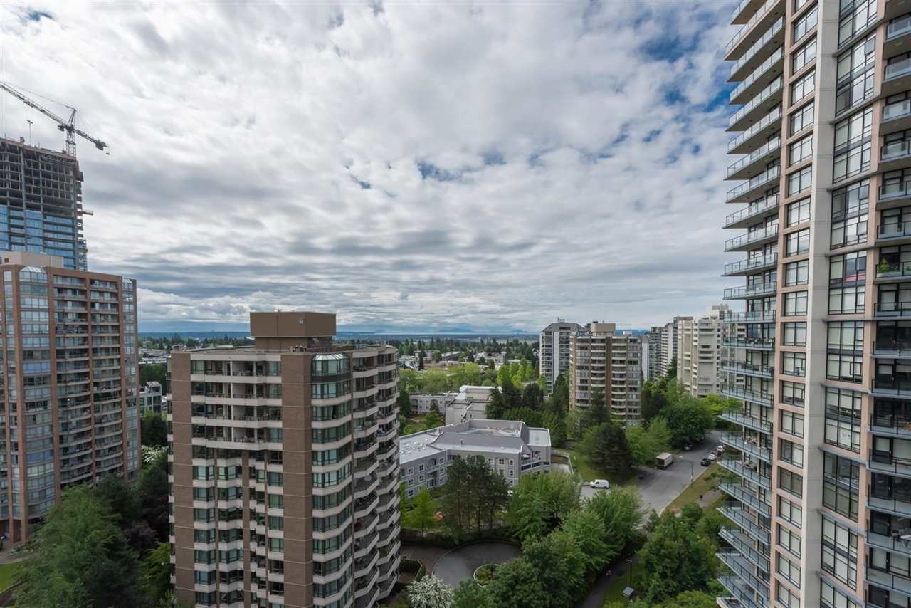 "Photo 10: 1404 6168 WILSON Avenue in Burnaby: Metrotown Condo for sale in ""JEWEL II"" (Burnaby South)  : MLS(r) # R2075707"