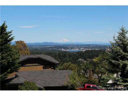 Photo 2: 3407 Karger Terrace in VICTORIA: Co Triangle Single Family Detached for sale (Colwood)  : MLS(r) # 366787