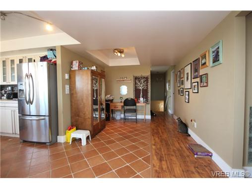 Photo 13: 3407 Karger Terrace in VICTORIA: Co Triangle Single Family Detached for sale (Colwood)  : MLS(r) # 366787