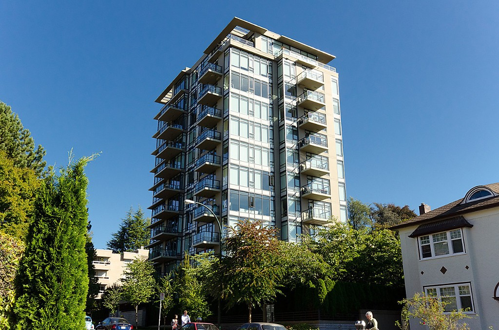 "Main Photo: 1003 1468 W 14TH Avenue in Vancouver: Fairview VW Condo for sale in ""THE AVEDON"" (Vancouver West)  : MLS®# R2117135"