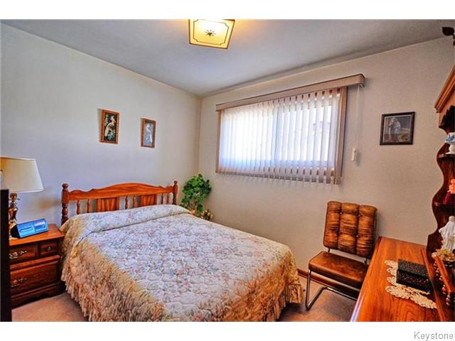 Photo 9: 293 Templeton Avenue in Winnipeg: Margaret Park Residential for sale (4D)  : MLS® # 1627266