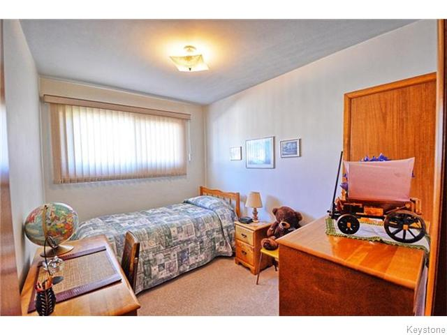 Photo 8: 293 Templeton Avenue in Winnipeg: Margaret Park Residential for sale (4D)  : MLS® # 1627266
