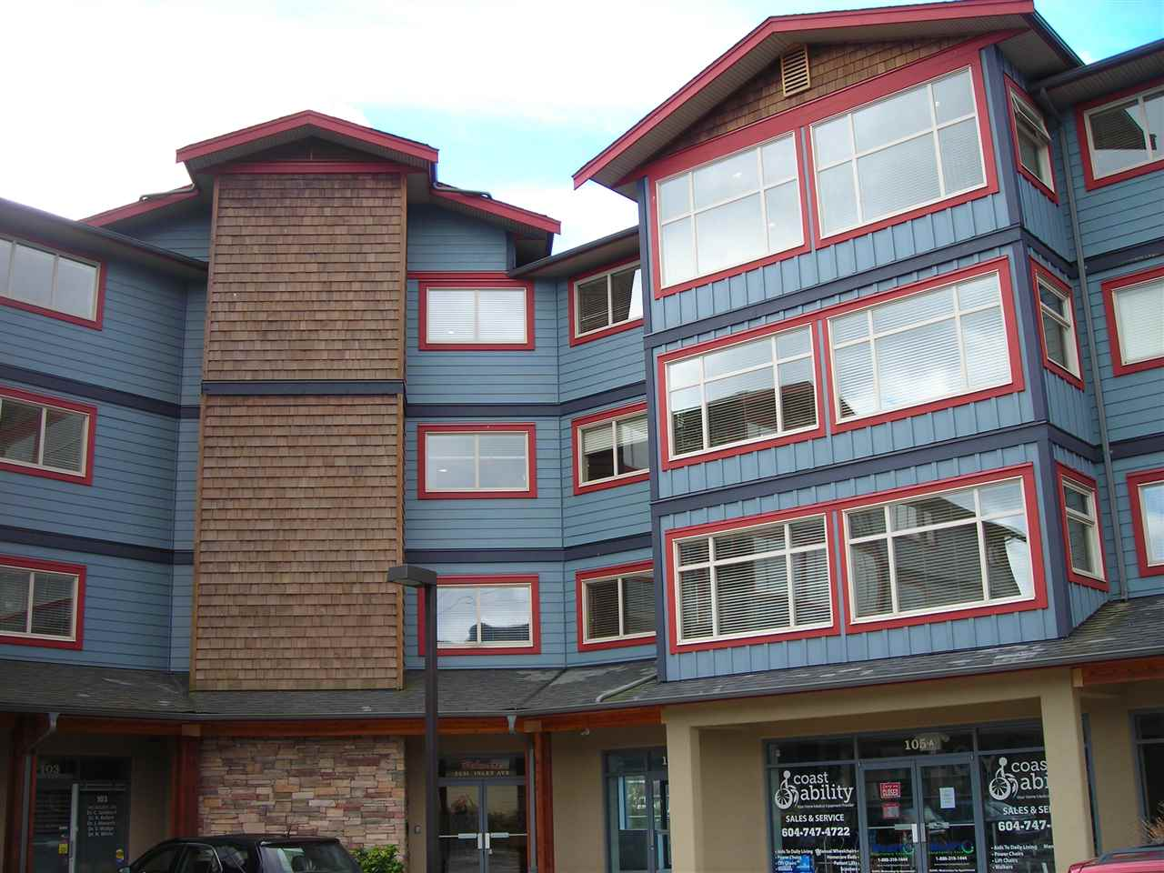 Main Photo: 406 5631 INLET Avenue in Sechelt: Sechelt District Condo for sale (Sunshine Coast)  : MLS® # R2118264