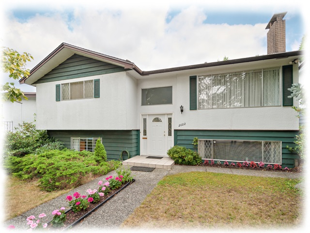 "Main Photo: 2622 E 53RD Avenue in Vancouver: Killarney VE House for sale in ""Killarney"" (Vancouver East)  : MLS(r) # R2121259"