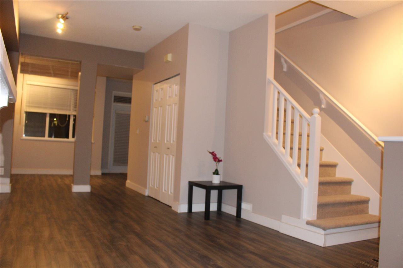 "Photo 9: 63 6465 184A Street in Surrey: Cloverdale BC Townhouse for sale in ""ROSEBURY LANE"" (Cloverdale)  : MLS® # R2137720"