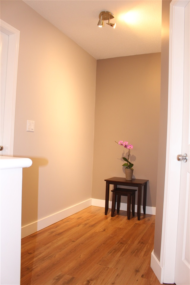 "Photo 11: 63 6465 184A Street in Surrey: Cloverdale BC Townhouse for sale in ""ROSEBURY LANE"" (Cloverdale)  : MLS® # R2137720"